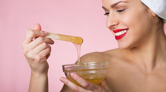 Haarentfernung mit der Zuckerpaste